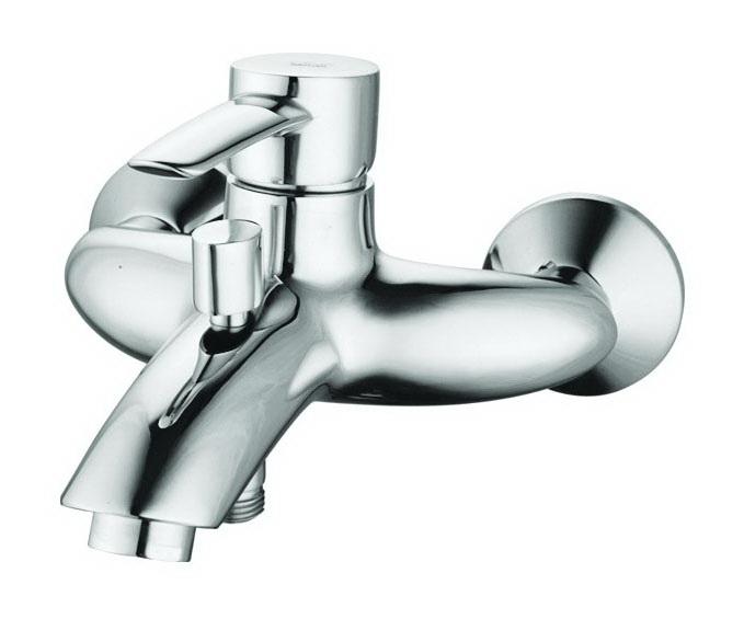Смеситель для ванны EdelformСмесители<br>Назначение смесителя: для ванны и душа,<br>Тип управления смесителя: однорычажный,<br>Цвет покрытия: хром,<br>Стиль смесителя: модерн,<br>Монтаж смесителя: вертикальный,<br>Тип установки смесителя: настенный,<br>Материал смесителя: латунь,<br>Излив: традиционный,<br>Аэратор: есть,<br>Лейка: есть,<br>Родина бренда: Германия,<br>Длина (мм): 190,<br>Ширина: 195<br>