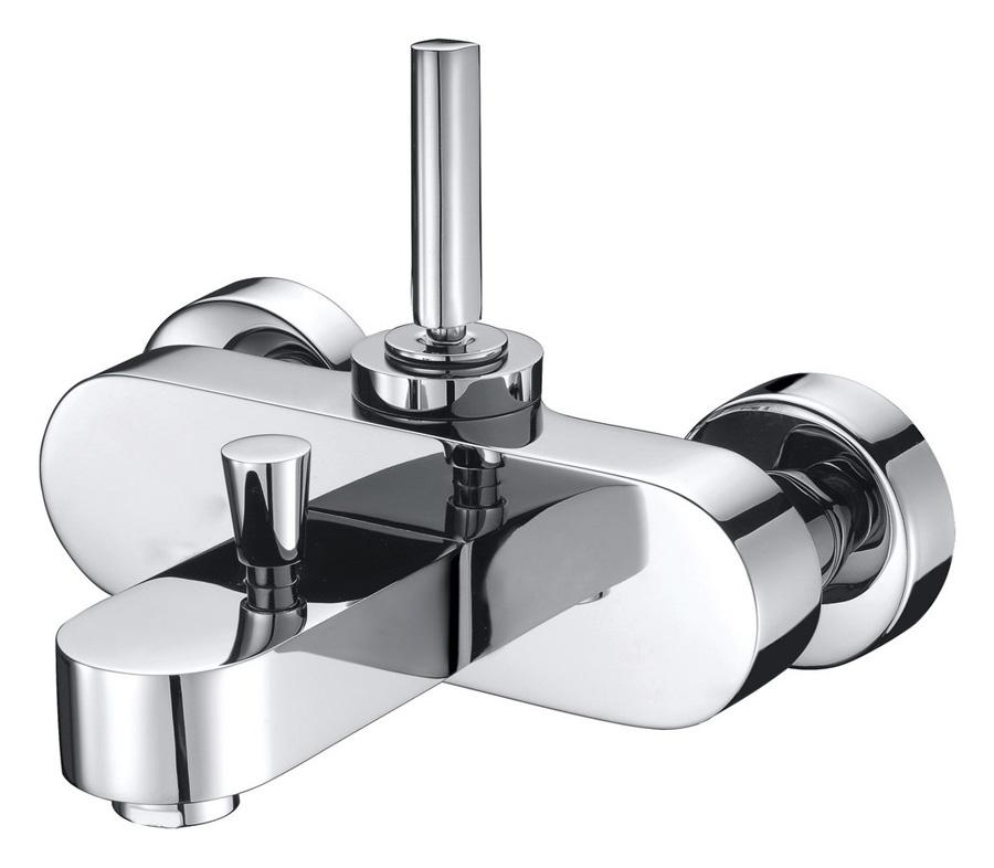 Смеситель для ванны EdelformСмесители<br>Назначение смесителя: для ванны и душа,<br>Тип управления смесителя: однорычажный,<br>Цвет покрытия: хром,<br>Стиль смесителя: модерн,<br>Монтаж смесителя: вертикальный,<br>Тип установки смесителя: настенный,<br>Материал смесителя: латунь,<br>Излив: традиционный,<br>Аэратор: есть,<br>Лейка: есть,<br>Родина бренда: Германия,<br>Высота: 145<br>